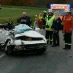 Porsche frontal gegen Bus – Beifahrer stirbt