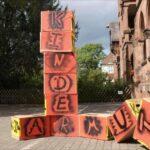 """Ausstellung """"Kinderarmut – Kindersorgen"""" in Biedenkopf"""
