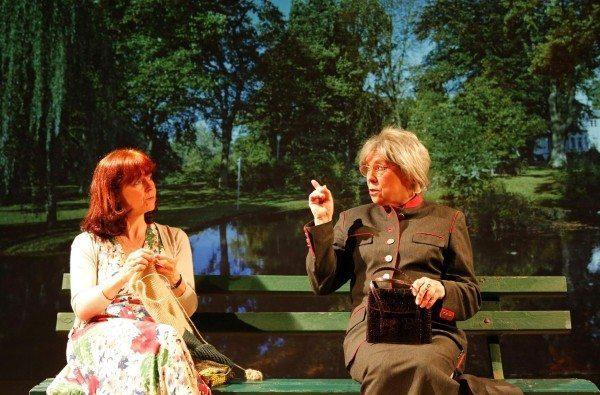 """Die BAC-Produktion """"Paradiso"""": Ursula Braun und Monika Schlinkert. (Foto: Hergesell)"""