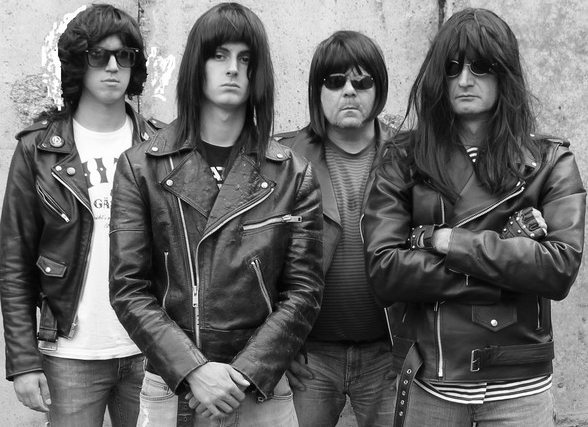 Gimme gimme shock treatment! - Ramones Experience