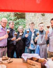 """Bier brauen, Brot backen, Wurst herstellen – der besondere Triathlon des """"AzuBIER-Projekts"""""""