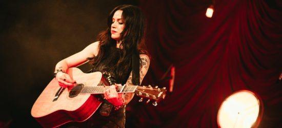 Drei Dänen unterstützen Amy Macdonald beim Open-Air-Konzert in Beverungen