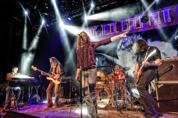 Die Led Zep-Coverband Physical Graffiti.