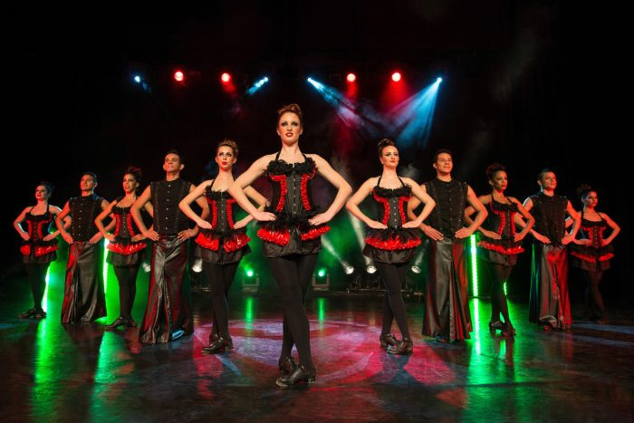 "Das Ensemble von ""Night of the Dance"""
