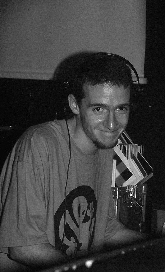 DJ Pierre (* 1974 in Arolsen † 10. - 12. Dezember 2012; eigentlich Pierre Blaszczyk) (Foto. Fedor Waldschmidt) Hier im Stammheim oder Aufschwung Ost