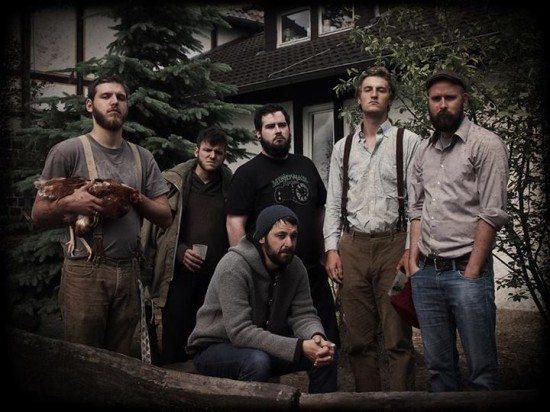 The Pitchfork and Gunbrothers - Singer/Songwriter Duell und Debüt im Krachgarten