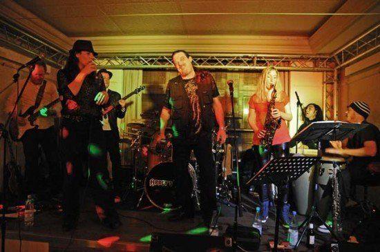 Crown eröffnete mit einem Konzert von Abbey's Trip!