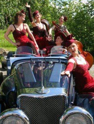 Dresdner Salon-Damen im BAC in Bad Arolsen