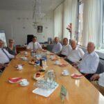 Auf einen Kaffee mit den Ehemaligen – Bürgermeister lädt Beigeordnete ein