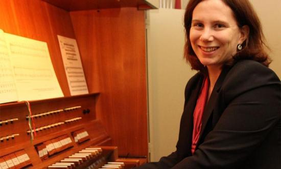 Dorothea Grebe (Violoncello, Orgel, Gesang) (c) nh24