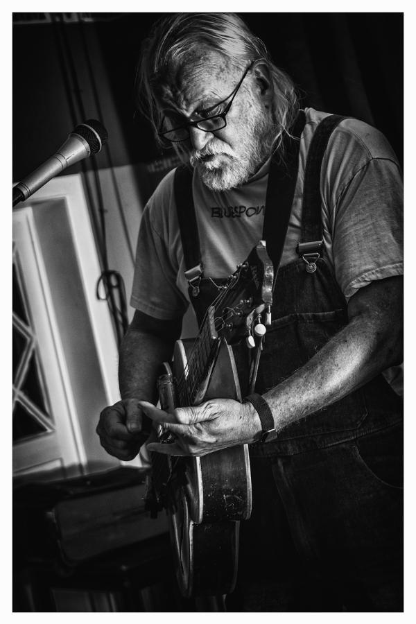 Bluesveteran Hans Blues kommt wieder nach Warburg!