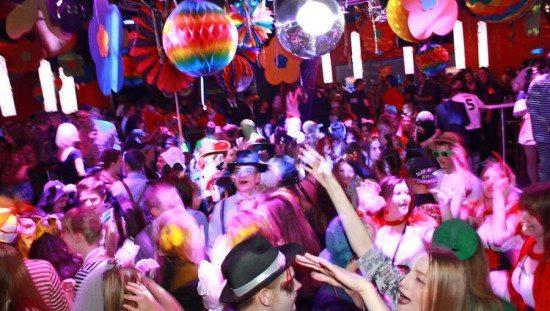 Rosenmontags-Party im OX