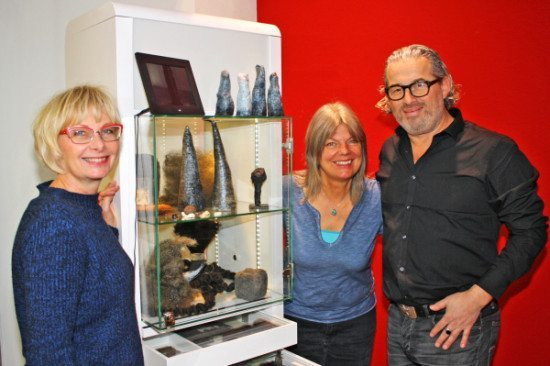 Die Grimmwelt schickt ihre Satelliten in die Kassler Königsgalerie zu Christa Gruber!