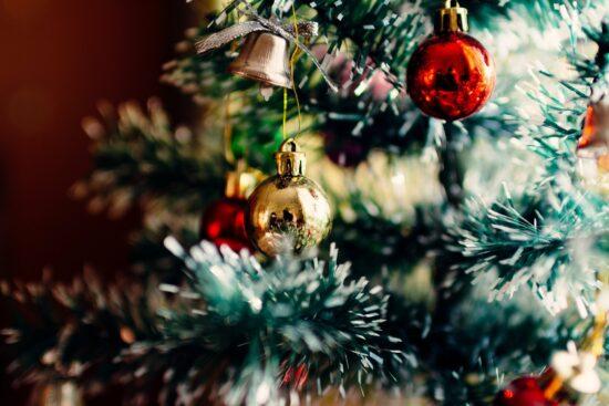 Weihnachts-Fakten: Weihnachtsmann oder Christkind? Was sind die beliebtesten Weihnachtsfilme u.v.m