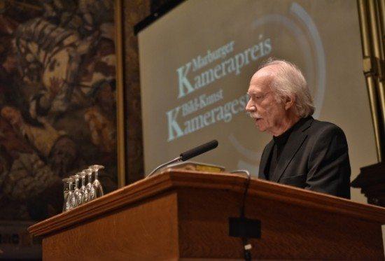 Der Kamerapreisträger 2016 Jürgen Jürges bei seiner Dankesrede.
