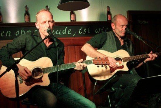 Das Acoustic-Duo bei einem ihrer Liveauftritte