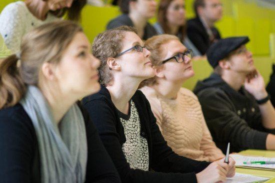 Hessische Hochschulen laden ein zu langen Tagen der Studienberatung