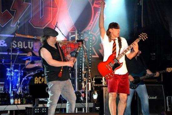 Eine Nacht so heiß wie Feuer - Feuerwehr AC/DC Tribute!