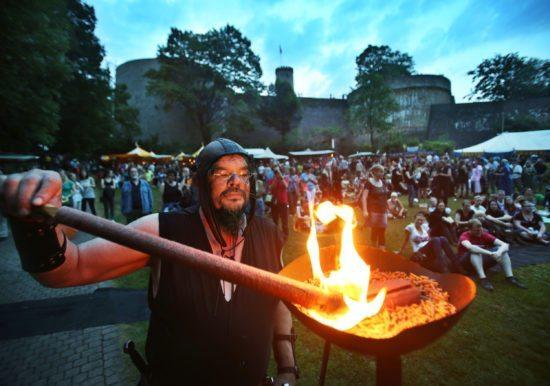 Wo das Mittelalter wieder lebendig wird: Das Sparrenburgfest in Bielefeld