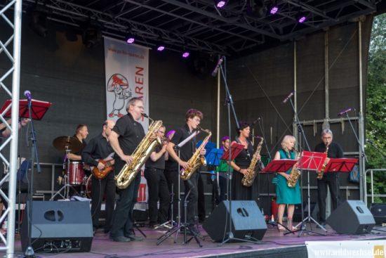 Rhythmus und Taktgefühl präsentiert die Jazz-Combo der Musikschule Hofgeismar unter Leitung von Hans-Jürgen Stier.