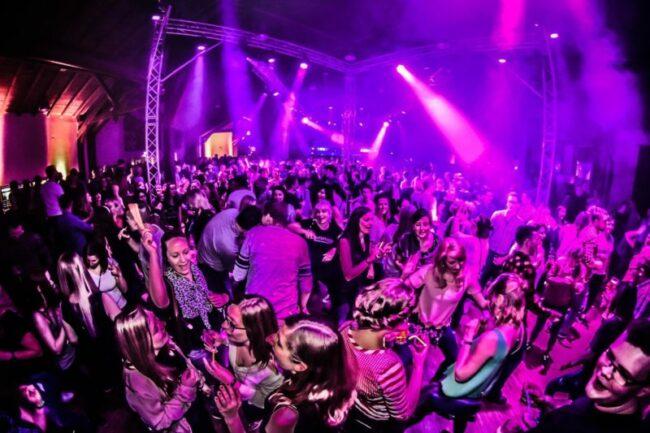 Finde Deine Party in der Nähe: Heute, morgen und am Wochenende in Nordhessen und Ostwestfalen! Der Ww-Party-Finder