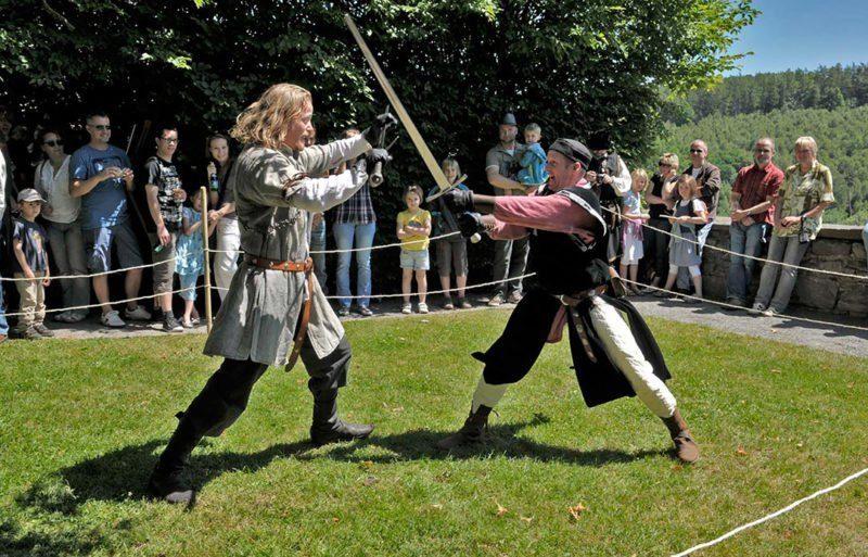 Spannende und energiegeladene Ritterturniere auf dem Märchenfest 2018 auf der Trendelburg