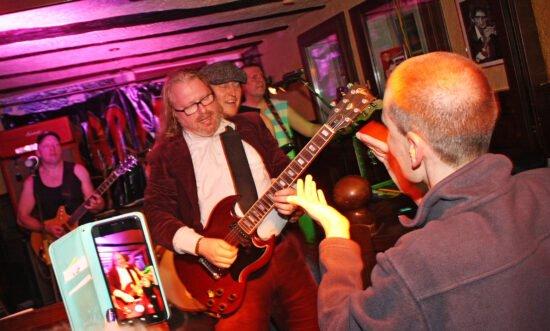 Rock-Café mit Programm: Das Kings in Korbach!