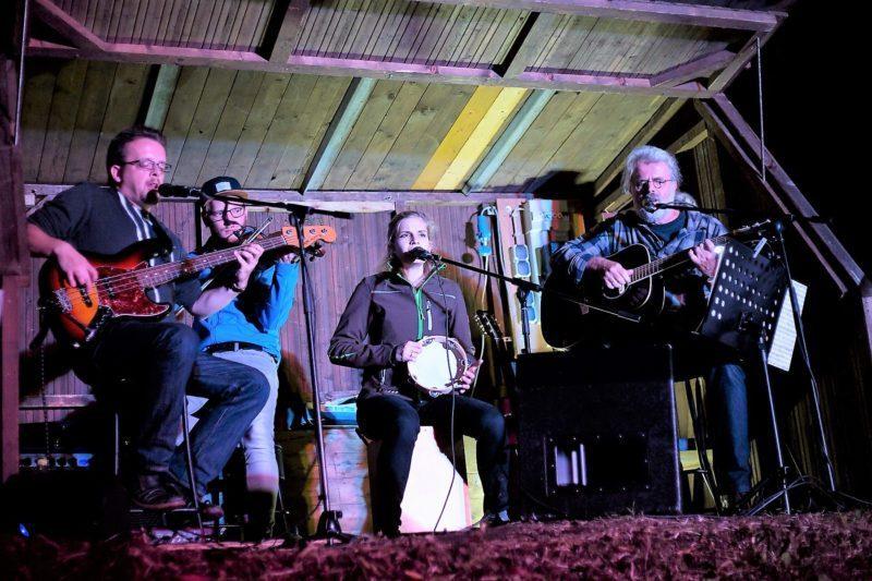 Open-Air-Konzert in Asmushausen: Shiregreen im Steinbruch
