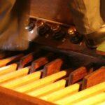 Mit Tasten und Pedalen – Thomas Klein mit Klassikkonzert in Treysa