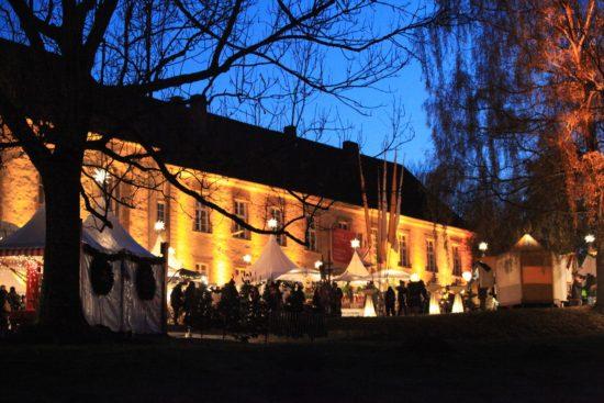 Schlemmen und Bummeln – Winterzauber im Kloster Dalheim