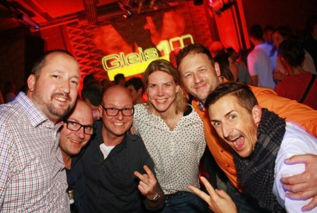 Was ist los in Kassel? – Ausgehtipps für Kassel - Veranstaltungen in Kassel machen Spaß: Hier sorgten die Disco Boys im Gleis 1 am 17.11.2017 für ausgelassene Party-Stimmung!