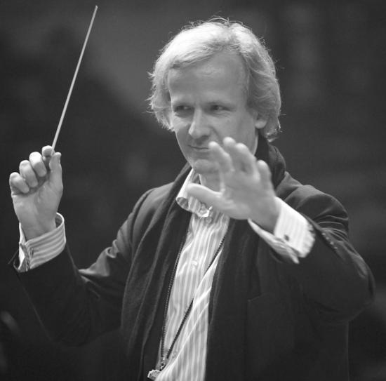 Interview mit Bernhard Wünsch, Dirigent des Rock meets Classic Symphony Orchestras