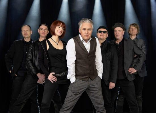 Die Phil Collins- und Genesis-Tribute-Band Still Collins ist eine der Bands auf dem Hofgeismarer Viehmarkt