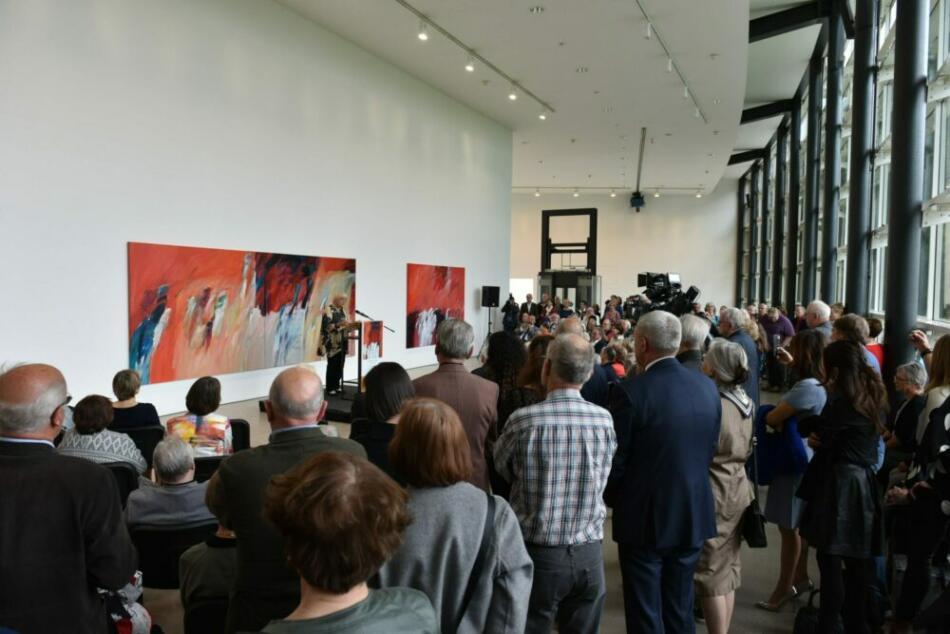 Farbgewaltige Kompositionen in der documenta-Halle