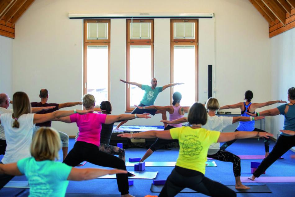 Zum Yogafestival in Fulda gibt es auch Iyengar-Yoga mit Matthias Kärcher aus Berlin