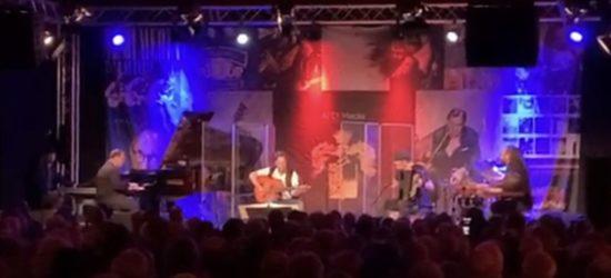 Überzeugend: Al Di Meola zauberte und verzauberte im Ballsaal vom Hotel Reiss
