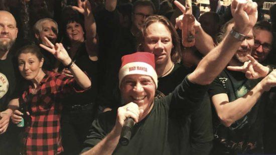 Blend-Frontman Chris Checker feiert Xmas in Joe's Garage in Kassel