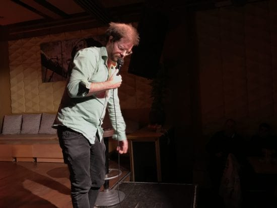 """""""Nageln, bügeln, flach legen"""" im Comedy Night Club"""