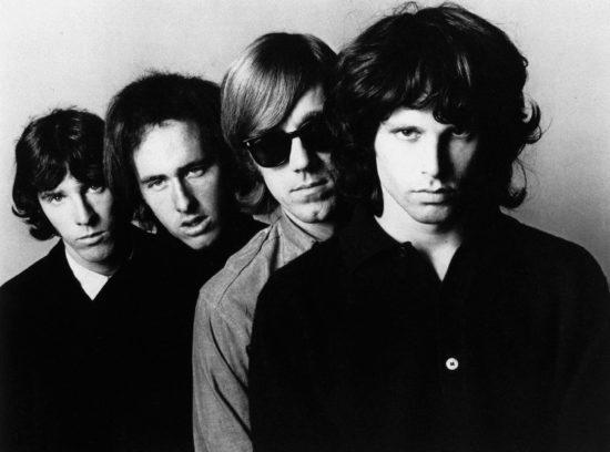 The Doors (v.l.n.r.): John Densmore, Robbie Krieger, Ray Manzarek, Jim Morrison