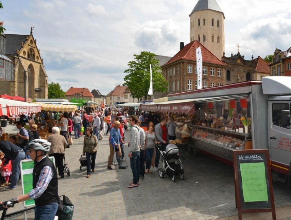 Stadt Paderborn appelliert: Wochenmärkte mit Maske besuchen