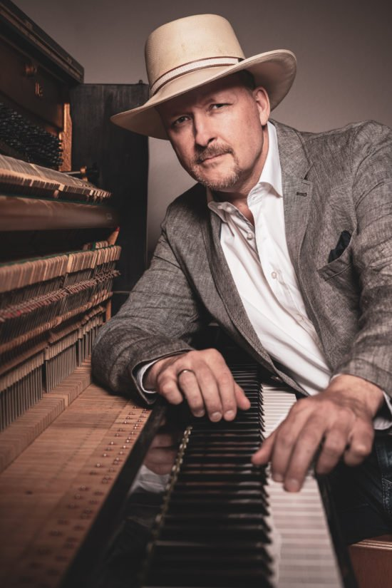 Jan Luley im Livestream: Groovig-swingender, spritziger Piano Jazz!