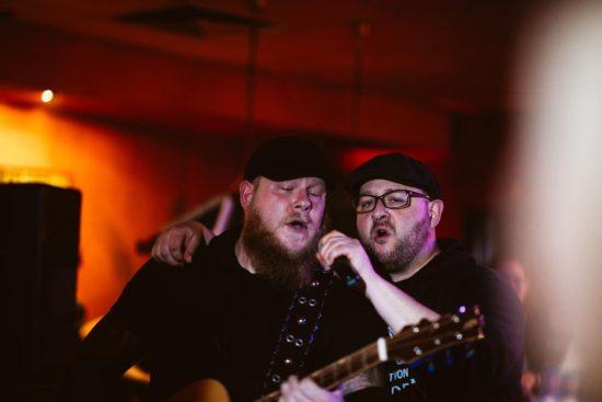 Die beiden Sänger von Strange Coffee sind am 7. Mai im Ww-Livestream!