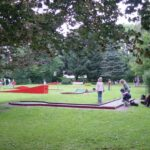 In der Minigolfanlage Dreiländereck in Neuhaus kann ab sofort wieder gegolft werden! | (c) Touristik-Information Neuhaus und Silberborn