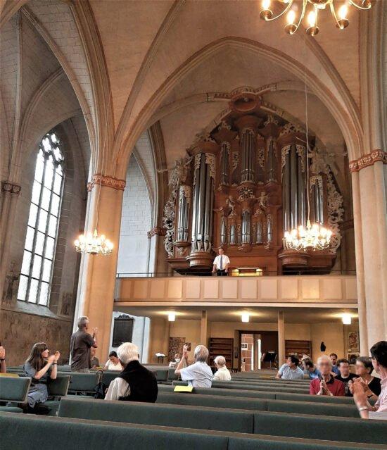 Ansgar Schlei erhielt begeisterten Applaus für sein Konzert bei der Stunde der Orgel am 15.8. | (c) Julia Leibundgut für Wildwechsel