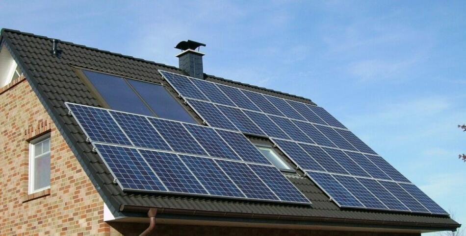 Klimaschutz im Kreis Höxter - und auf dem heimischen Hausdach: Photovoltaik-Anlagen sind die Energieerzeuger der Zukunft | Foto: Archivbild