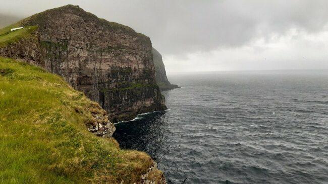 Remote-Tourism auf den Färöer Inseln: Einen Tourguide online steuern und so die Inselgruppe erkunden! (c) Pixabay | Virtuelle Reisen trotz Corona