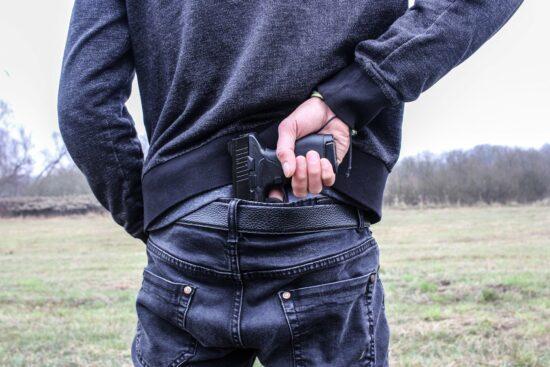 Kassel-Oberzwehren: Täter nach Überfall auf Einkaufsmarkt flüchtig - Polizei sucht Zeugen