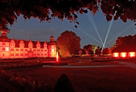 Parkillumination - Schlosspark und Lippesee Gesellschaft lädt zum Winterspaziergang im Neuhäuser Schlosspark