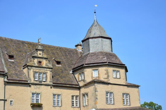 Burgen und Schlösser als Ausflugsziel: Schloss Varenholz in Kalletal