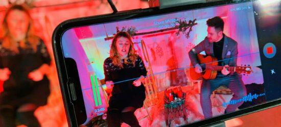 Im Neuhäuser Schlosspark wird es besinnlich – digitale Weihnachtsgeschichten und Lieder